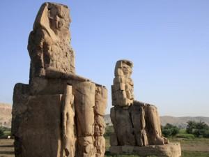 Memnon statues